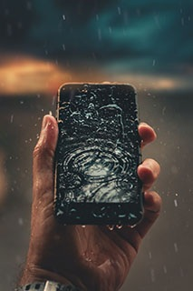 What to do if your mobile phone gets wet in water